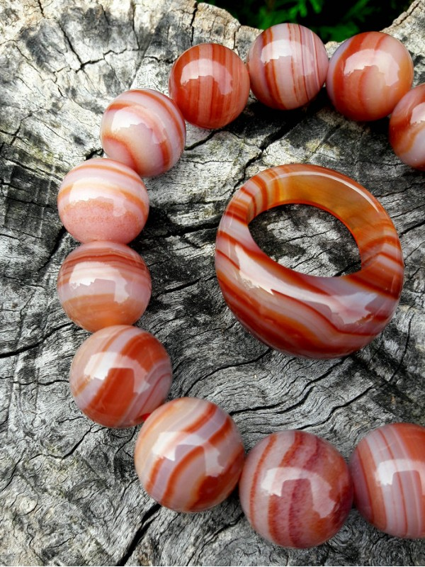 Bracelet and ring red ribbon agate