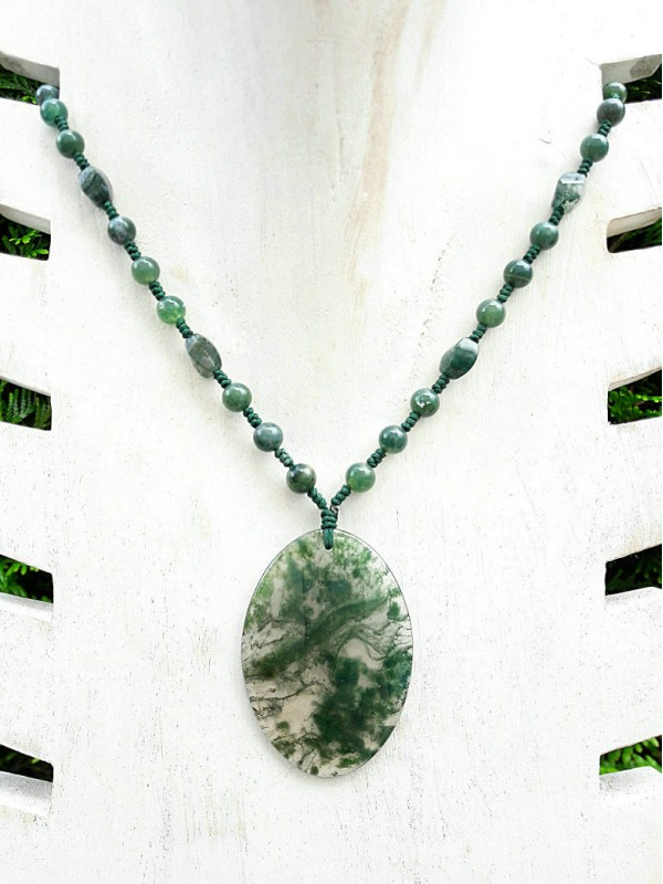 Oval foam agate necklace