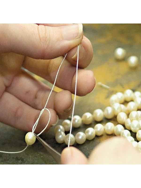 Enfilage de colliers et bracelets